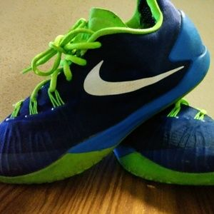 Mens pre owned Nike Shoes very nice!